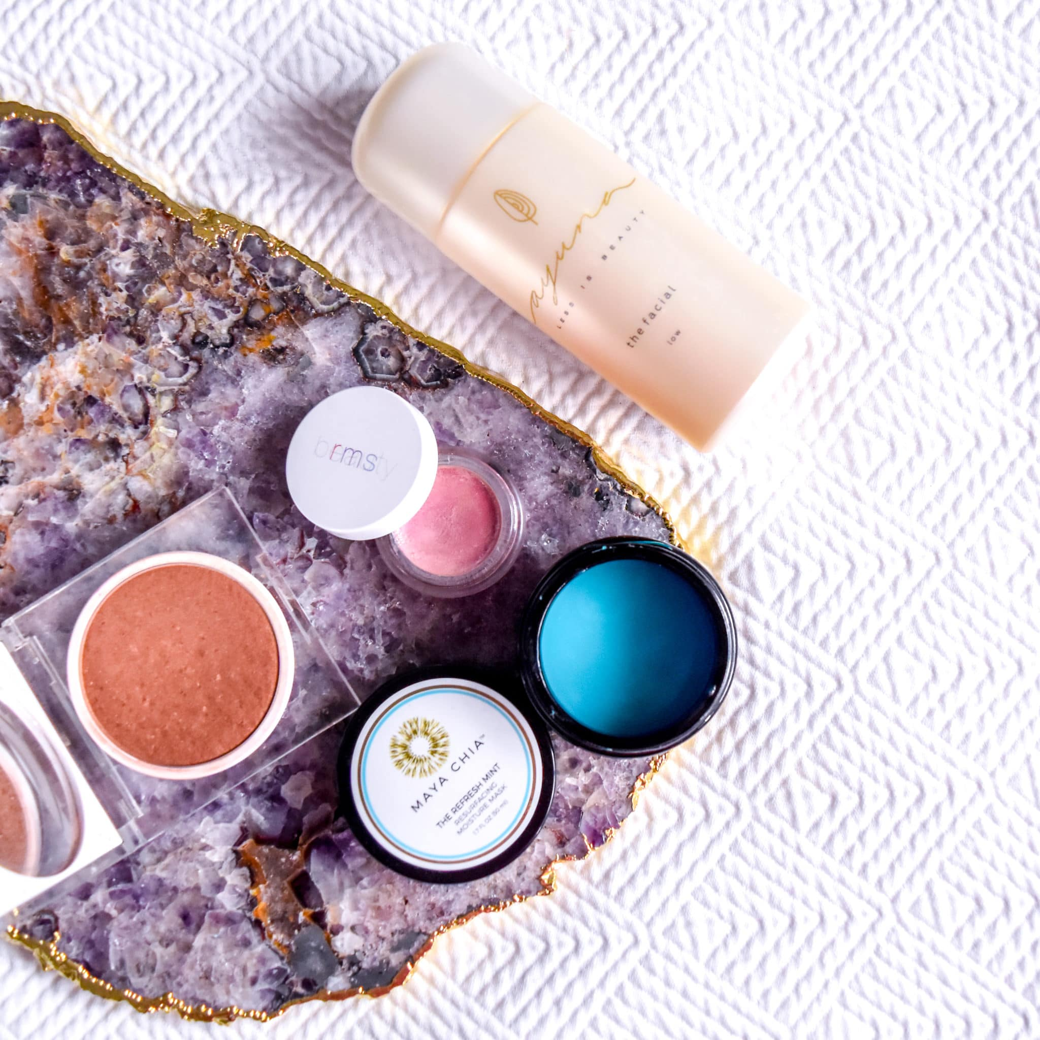 My favorite NEW clean beauty skincare products of 2019! I'm obsessed with all of these green and organic beauty wonders - Maya Chia the Refresh Mint mask, RMS luminizing powder bronzer and amethyst luminizer and Ayuna the Facial from Beauty Heroes.